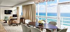 Suite de hotel con vista al mar en Miami
