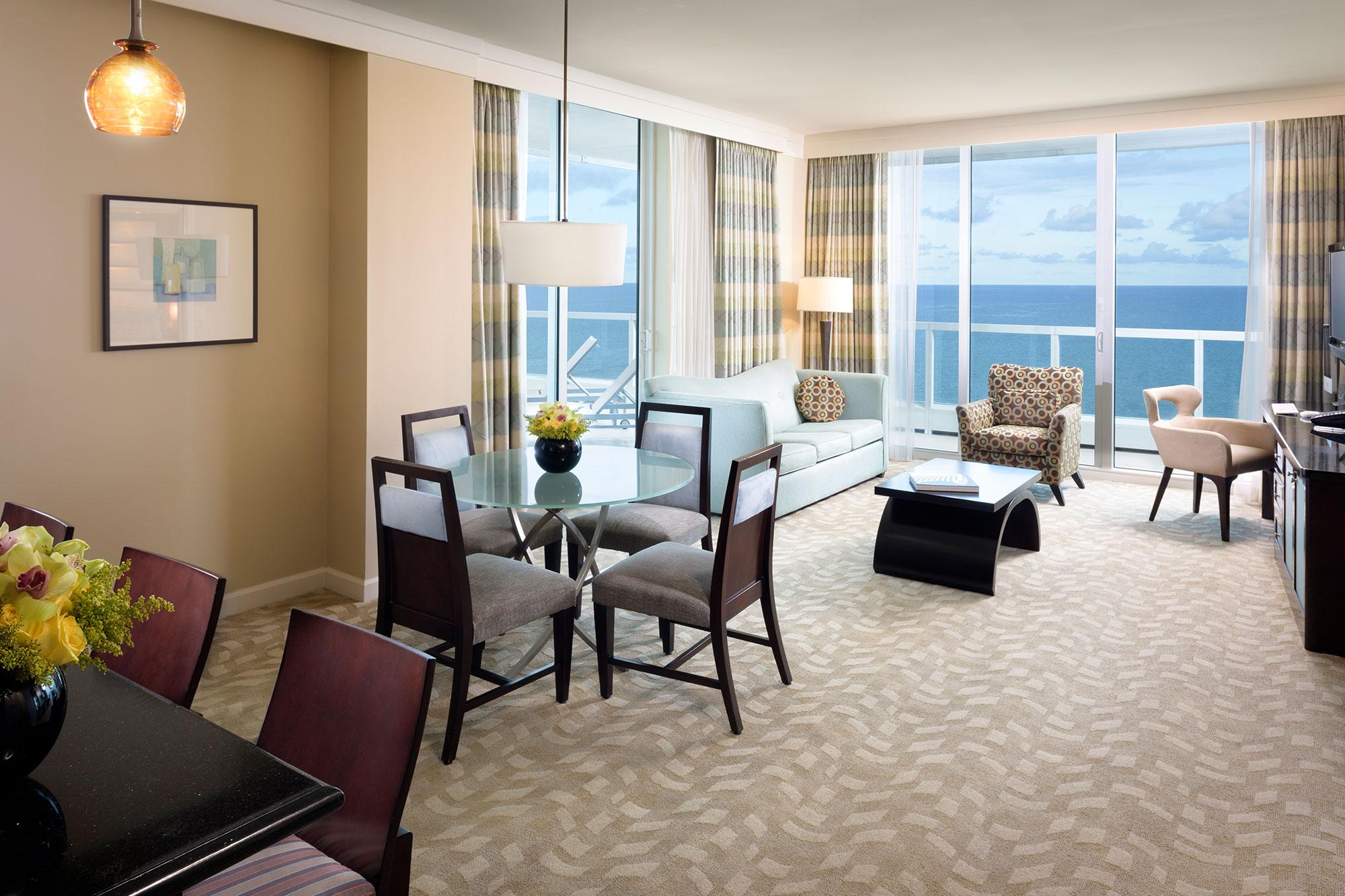 Sorrento One Bedroom Oceanfront Suite 2