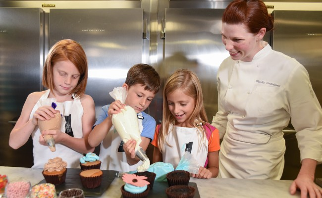 Wednesday & Saturday | Family Pastry Class & Tour