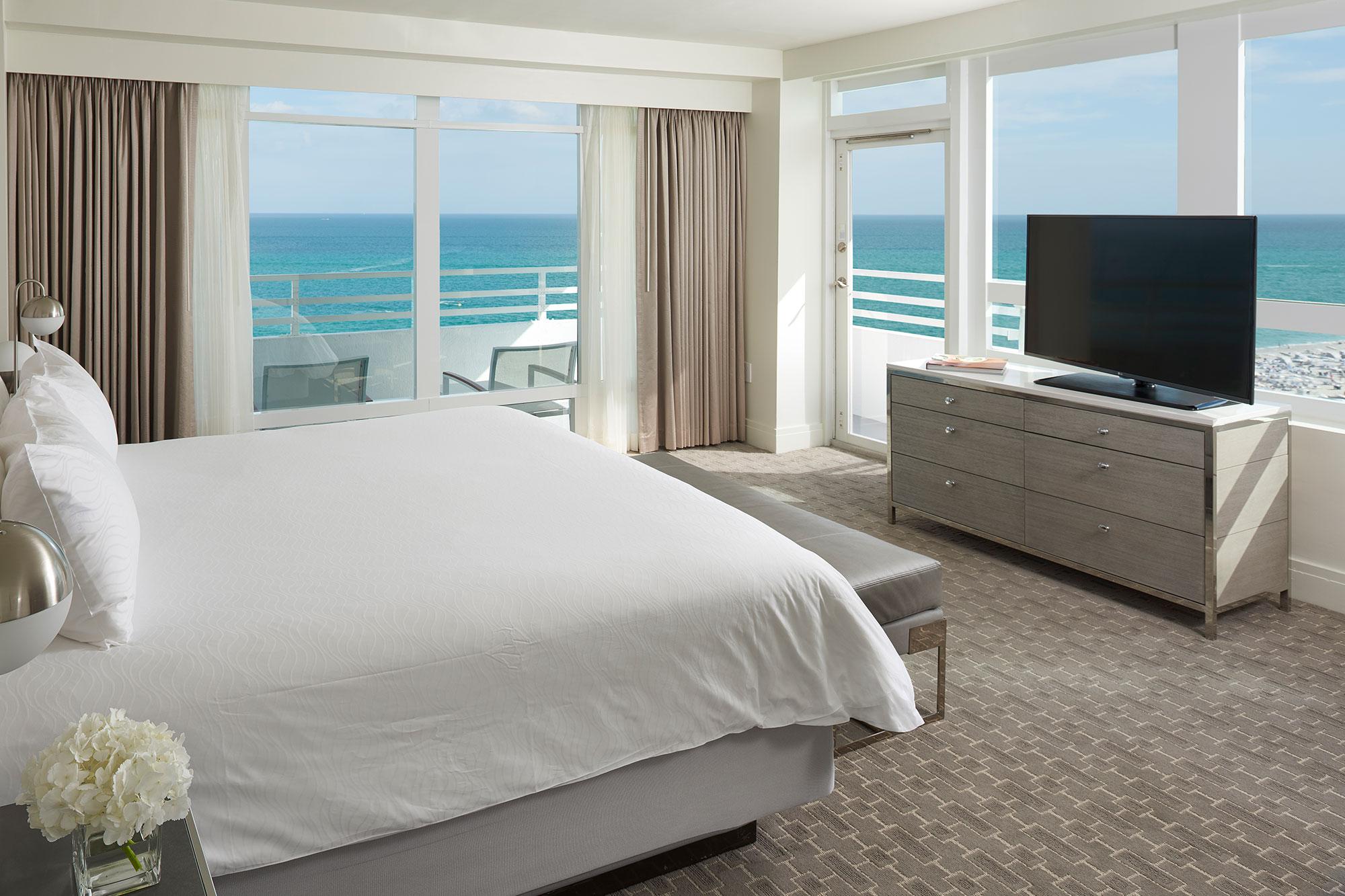 Ocean Front Two Bedroom Suites na Versailles 2