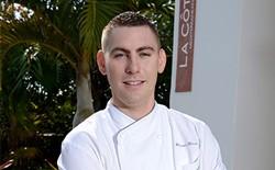 Membro da equipe de gastronomia Michael Hawk
