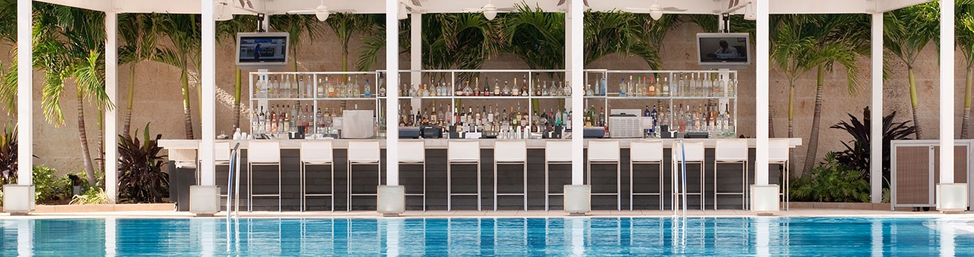 Outdoor Miami Beach Pool Bar