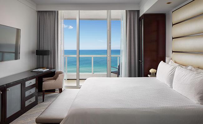 Sorrento One Bedroom Oceanfront Suite 1