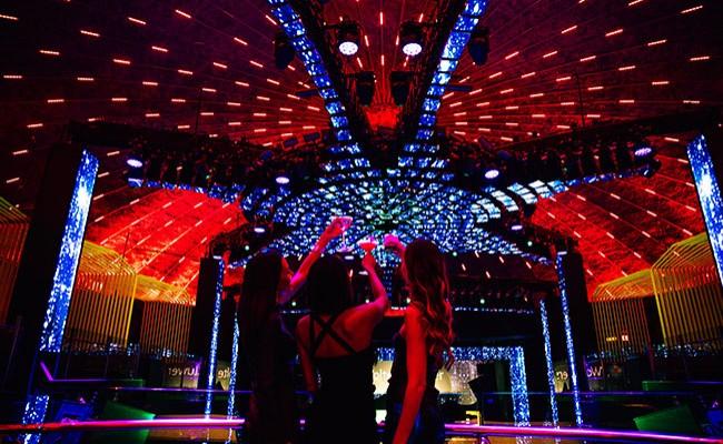 Baila toda la noche en el Club nocturno Liv