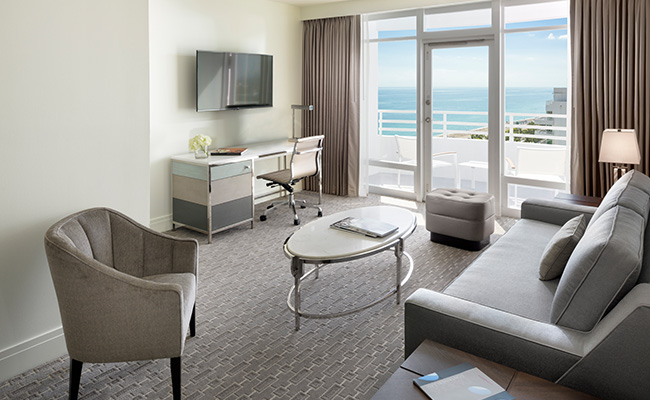 Bay View Junior Suite with Balcony 2